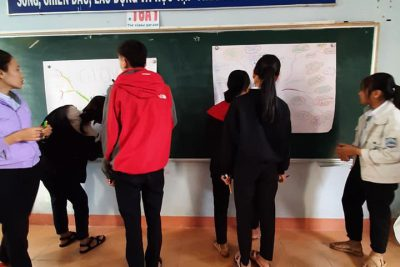 Tổ LÍ – HÓA sinh hoạt chuyên đề đổi mới dạy học theo hướng nghiên cứu bài học